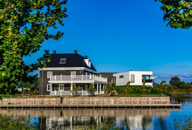 10 Things to Consider When Investing in a Waterfront Property