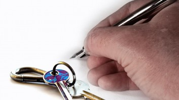 What's the Best Way For Landlords to Screen Tenants?